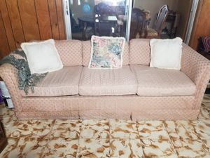 Vintage pull out bed couch. Sofa Cama for Sale in Miami, FL