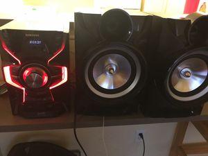 SAMSUNG GIGA SOUND BLAST Bluetooth Boombox Speakers/ Home Surround Sound Speaker System for Sale in Houston, TX