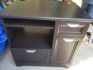 Small Computer desk/ work station for Sale in Houston, TX