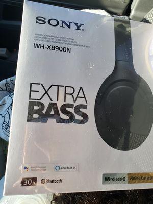 Sony bluetooth headphones for Sale in Modesto, CA