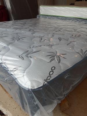 King set $ 299 / Queen set $ 199 / free box spring for Sale in BVL, FL