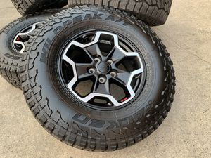 Jeep Rubicon Wheels with tires and Sensors TPMS rims for Sale in Rio Linda, CA