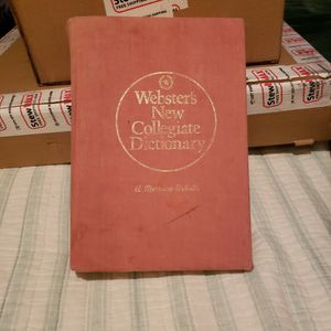 1981 Webster Dictionary for Sale in Fresno, CA