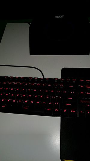 Redragon Mechanical Keyboard - with key remover for Sale in Wichita, KS