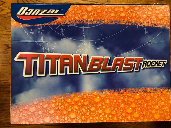 Rare titan blast rocket - 7 feet tall!
