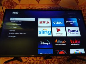 32in tv + Roku Express for Sale in Easley, SC