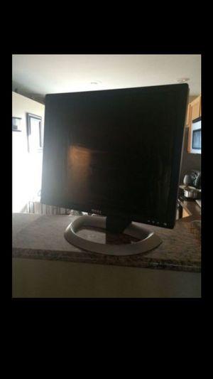 Dell Monitor 18 inch for Sale in Renton, WA