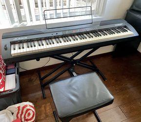 Alesis Coda Pro Electric Piano Keyboard - Works Great  for Sale in Everett, WA
