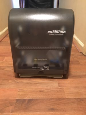 enMotion automatic paper towel dispenser and pump hand soap dispenser (wall hanging) for Sale in Virginia Beach, VA