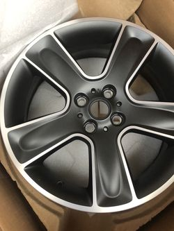 Mini Cooper Wheel for Sale in Monterey Park,  CA