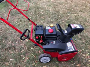 """Troybuilt 21"""" Snow Thrower for Sale in New Britain, CT"""