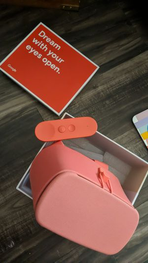 Google Daydream View VR for Sale in San Antonio, TX