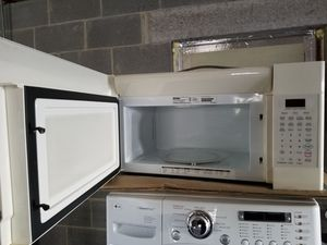 Microwave good working conditions for Sale in Lake Ridge, VA