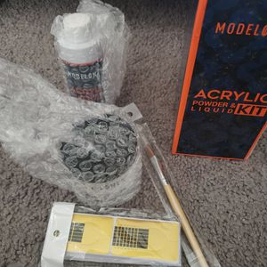 Acrylic Powder And Liquid Kit for Sale in Bloomington, CA