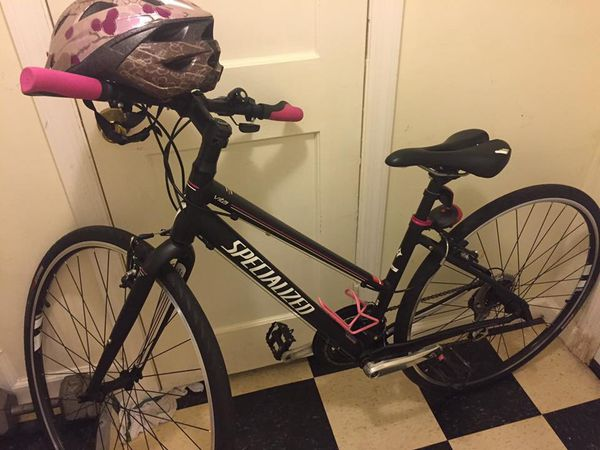 Specialized bike almost new , pink and black for women