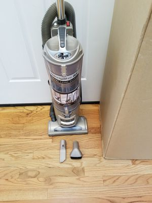 NEW cond SHARK ROTATOR VACUUM WITH COMPLETE ATTACHMENTS, ACCESSORIES, AMAZING POWER SUCTION ,IN THE BOX, WORKS EXCELLENT, for Sale in Federal Way, WA