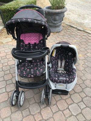 Car seat stroller combo with base (travel system) for Sale in Okeana, OH