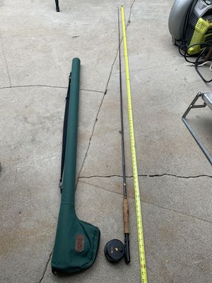 8 foot fly fishing rod with green case for Sale in Glendale, CA
