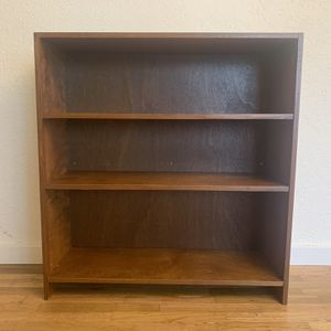 Wooden Bookcase for Sale in Lynnwood, WA