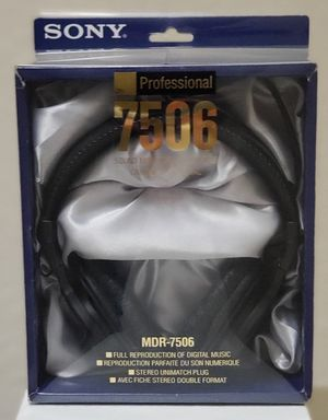 Sony MDR-7506 Studio Headphones for Sale in Oldsmar, FL