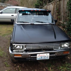 86 Toyota pick up truck extended cab for Sale in Everett, WA