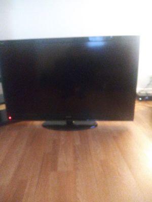 55 inch TV older models for Sale in Garfield, NJ