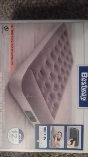 Bestway air mattress with built-in pump for Sale in Wichita Falls, TX