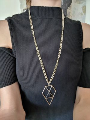 Geometric gold chain necklace for Sale in Augusta, KS