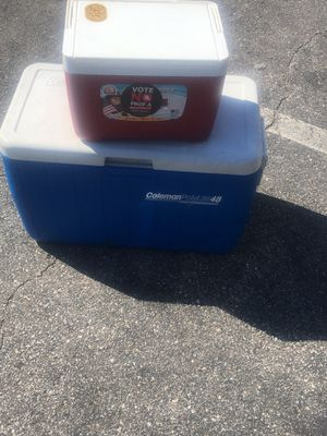 Coolers igloo and Coleman for Sale in St. Louis, MO