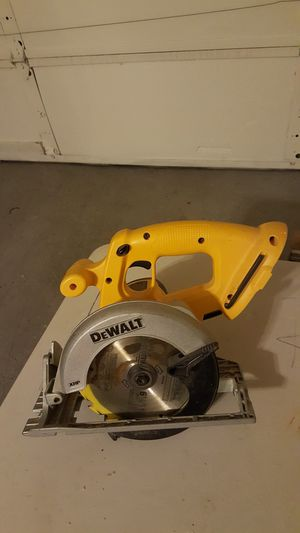 DeWalt 18 g saw for Sale in Las Vegas, NV