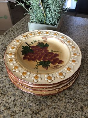 Dinner plate set of 4 for Sale in National City, CA