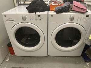 Kenmore washer and dryer works great for Sale in Chelmsford, MA