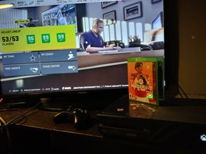 500GB XBOX ONE / ONE CONTROLLER / MADDEN 20 for Sale in Obetz, OH