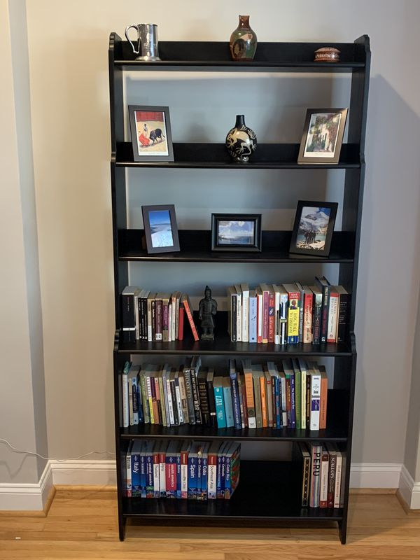 Beautiful bookshelf in great condition
