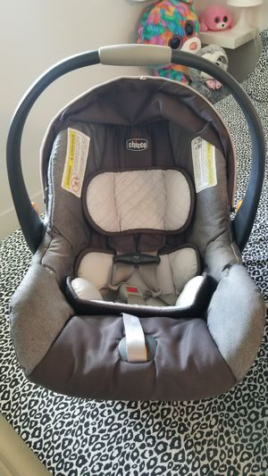 Car seat chicco keyfit for Sale in Miami, FL