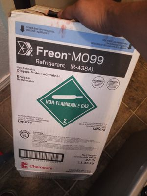 Freon and leaf blower for Sale in Yuba City, CA