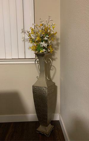 Flower Vase for Sale in Newark, CA