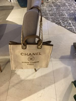 Chanel bag for Sale in HALNDLE BCH, FL