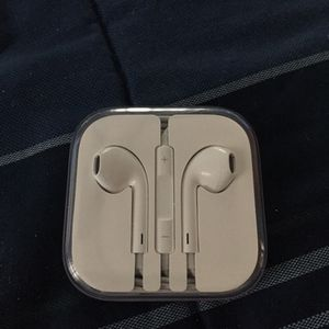 Earbuds for Sale in Amherst, VA