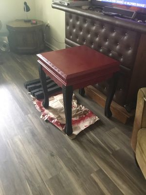 Really nice end table (2) for Sale in Lynchburg, VA
