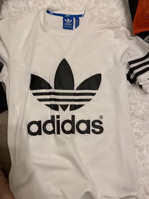 ADIDAS jersey style shirt UNISEX for Sale in Corona, CA