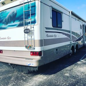 Newmar Mountainaire '96 Motorhome for Sale in Aventura, FL