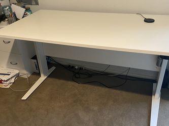 Dania Electic Adjustabe Desk for Sale in Kirkland,  WA