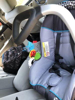 Car seat almost new for Sale in Lancaster, PA