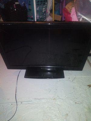32inch Emerson tv (broken) for Sale in North Providence, RI