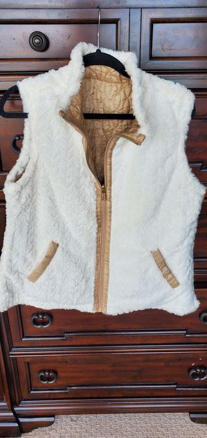 Reversible faux fur ivory/gold vest size L for Sale in Bellevue, WA