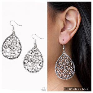 Paparazzi earrings for Sale in Porter, TX