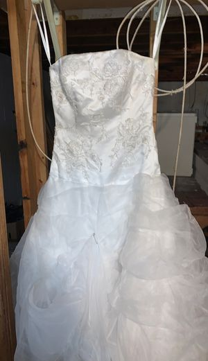 Wedding dress flower girl dress ax 8 and fg 7 for Sale in Forest Lake, MN