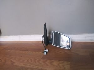 2010-2011 MERCEDES C-class RH Right Passenger Side Mirror With Signal Light OEM Used for Sale in Wilmington, CA