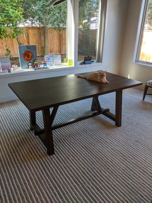 Dining table for Sale in Bellevue, WA